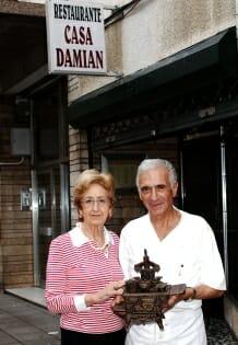 Paquito y Josefina el valor de la tradicin  Comer