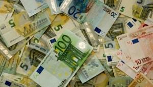 Euro Pengar Sedlar Ägartransaktioner i aktiebolag Låneförbud Fordringar på eget bolag Inlåning Tantiem Aktieägartillskott