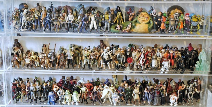 How much would you have paid for this massive collection of Star Wars toys? 5