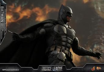 JL Tatctical Batman (24)