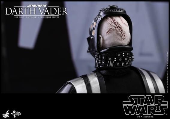 Hot Toys Darth Vader (7)