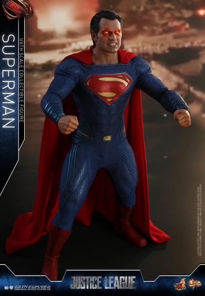 Hot Toys JL Superman (19)