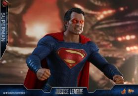 Hot Toys JL Superman (23)