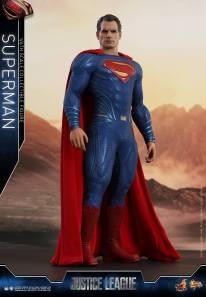 Hot Toys JL Superman (3)