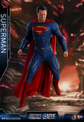 Hot Toys JL Superman (5)