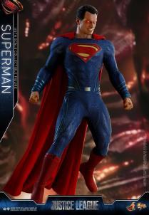 Hot Toys JL Superman (8)