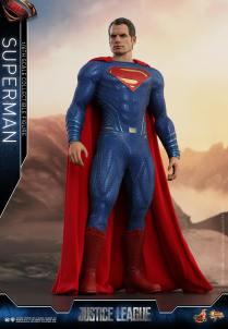 Hot Toys JL Superman (9)