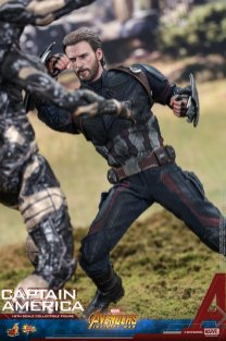 Hot Toys IW Captain America (4)