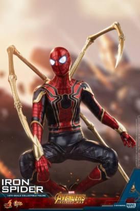 Hot Toys Iron Spider (1)