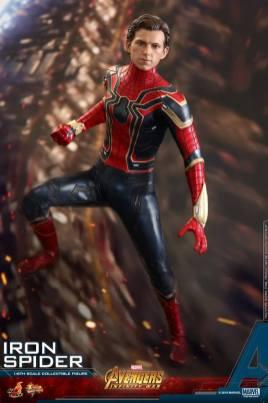 Hot Toys Iron Spider (11)