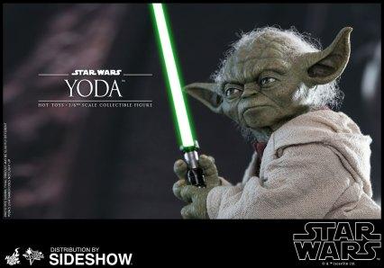 Yoda Hot Toys (7)