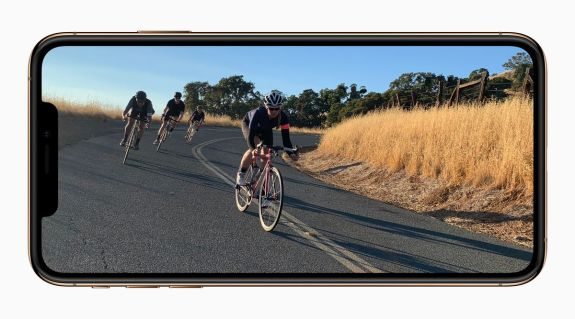 Apple-iPhone-Xs-gold-video-screen-09122018
