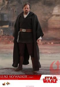 Hot Toys Luke Skywalker Crait (10)