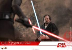Hot Toys Luke Skywalker Crait (19)