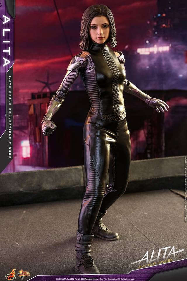 The new Hot Toys Alita: Battle Angel figure can see right into your soul 33