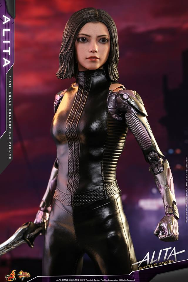 The new Hot Toys Alita: Battle Angel figure can see right into your soul 25