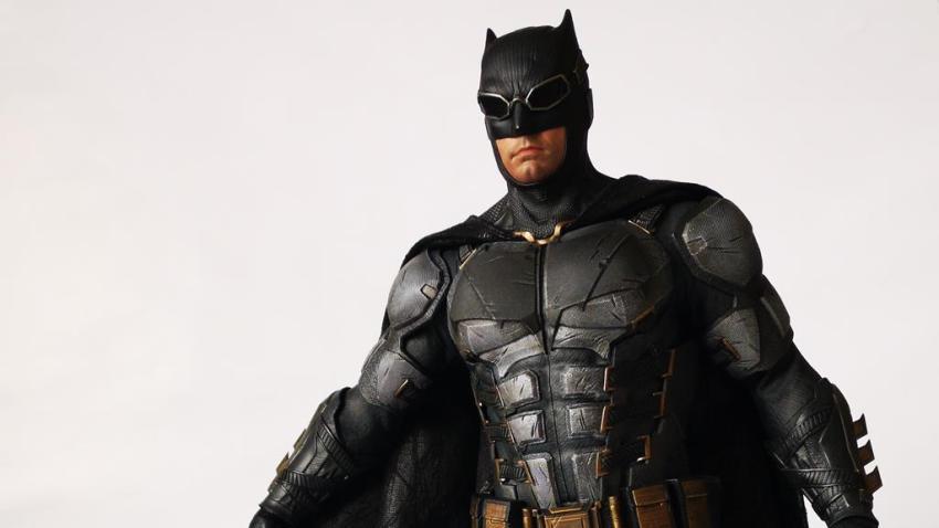 Hot Toys MMS 432 Justice League Batman Tactical Batsuit Review – Bat in Black 37