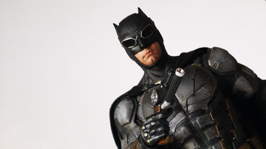 Hot Toys MMS 432 Justice League Batman Tactical Batsuit Review – Bat in Black 40