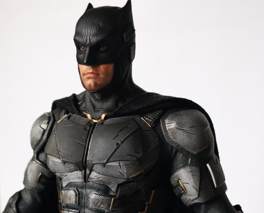 Hot Toys MMS 432 Justice League Batman Tactical Batsuit Review – Bat in Black 27