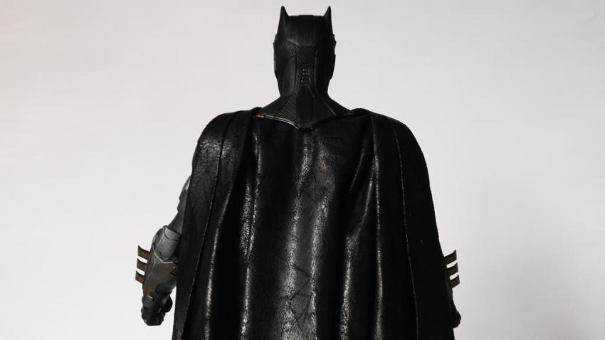 Hot Toys MMS 432 Justice League Batman Tactical Batsuit Review – Bat in Black 28