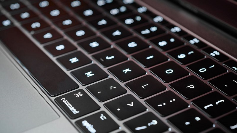Apple to abandon its problematic MacBook keyboard design 3