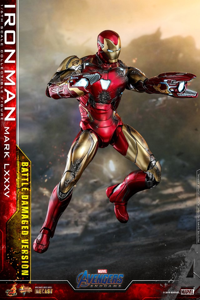 Relive (and cry about!) the best scene in Avengers: Endgame with this new Hot Toys Iron Man figure 33
