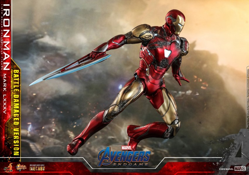 Relive (and cry about!) the best scene in Avengers: Endgame with this new Hot Toys Iron Man figure 35