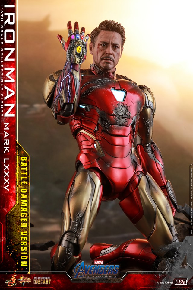 Relive (and cry about!) the best scene in Avengers: Endgame with this new Hot Toys Iron Man figure 28