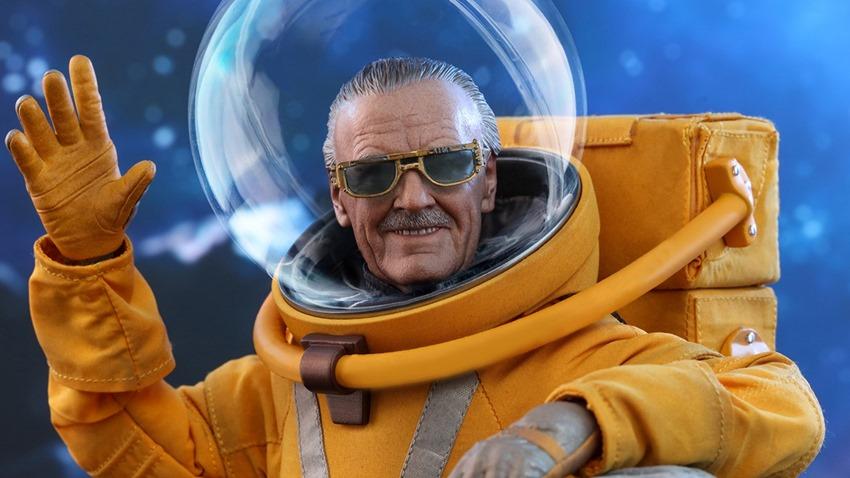 Hot Toys Stan Lee GOTG V2 (1)