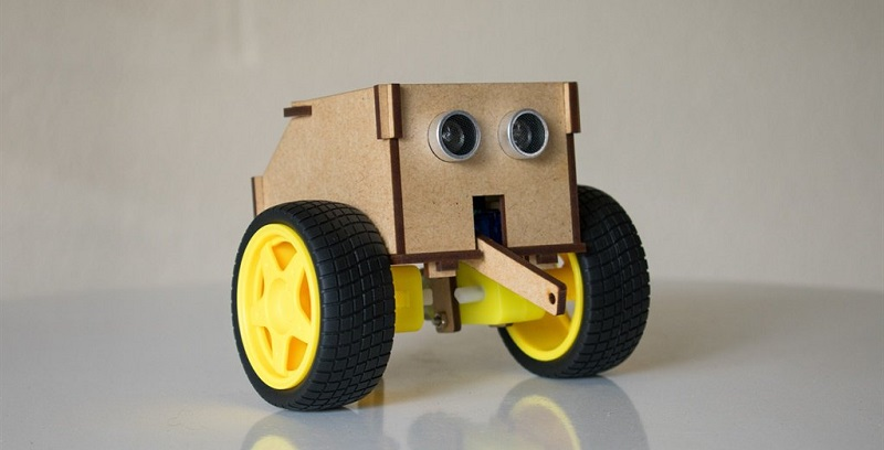 Local company builds new bug-like robots to teach programming to schools 4
