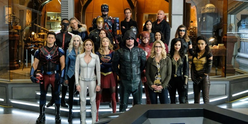 "Rumour: Arrowverse ""Crisis"" crossover to feature Lucifer and Titans 6"