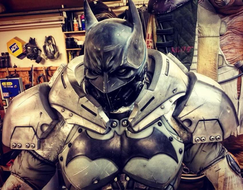 Behold a Batman cosplay so good, it's XE-cellent 18