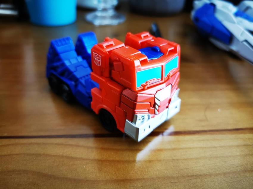 Transformers Cyberverse Spark Armour Optimus Prime Review 24