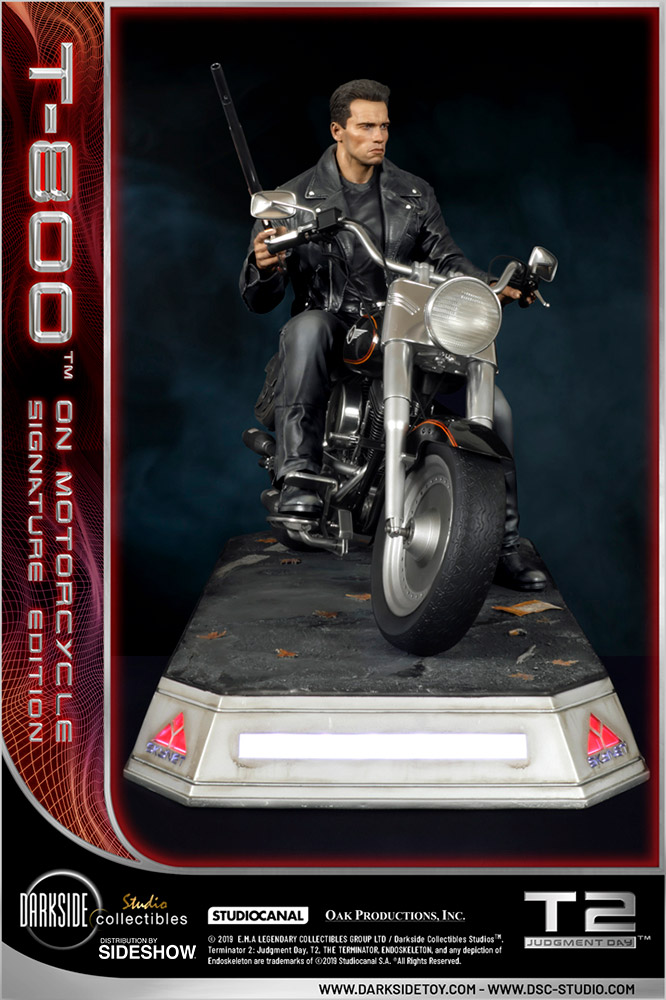 I need your clothes, your boots and your motorcycle after buying this Terminator 2 statue 54
