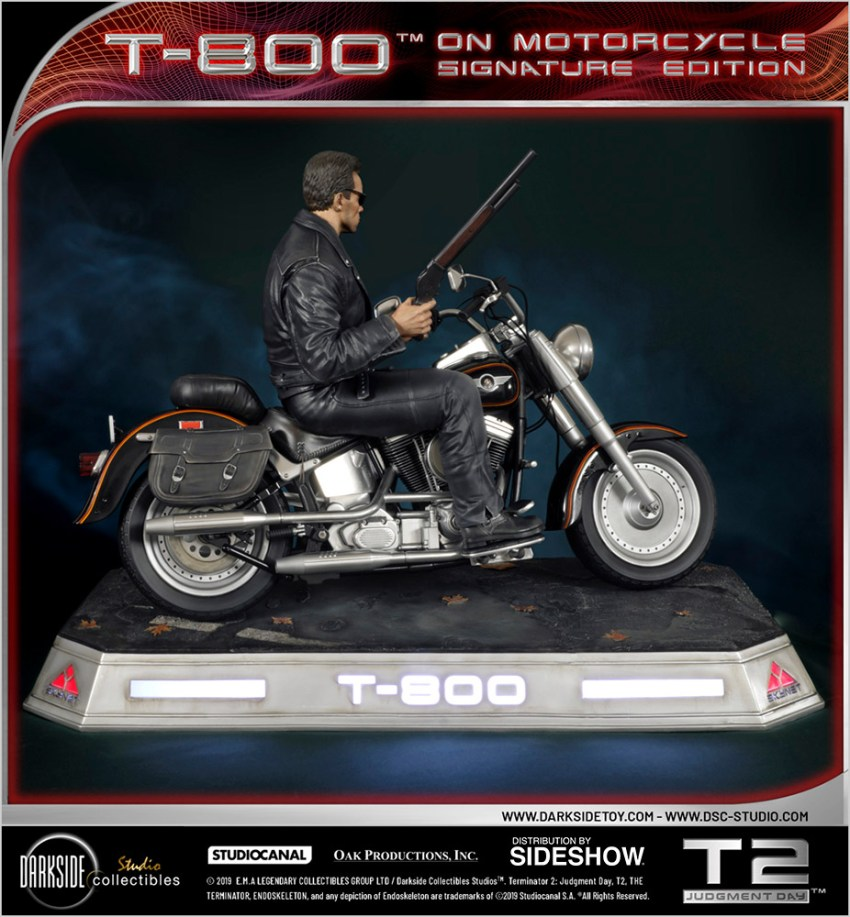 I need your clothes, your boots and your motorcycle after buying this Terminator 2 statue 40