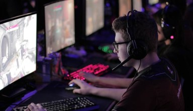 Study says esports pros face the same psychological stresses as top football and rugby athletes 12