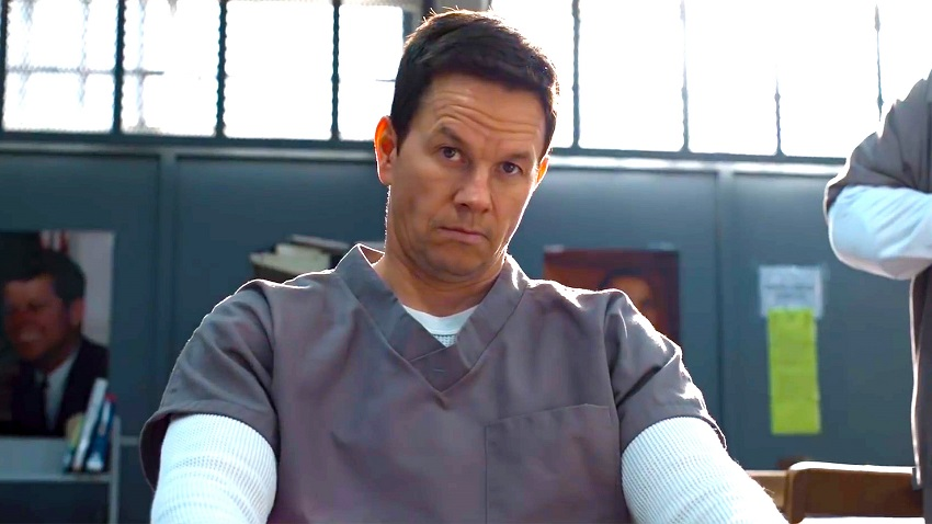 Mark Wahlberg Is Fighting For Justice In Netflix S Action Comedy Spenser Confidential