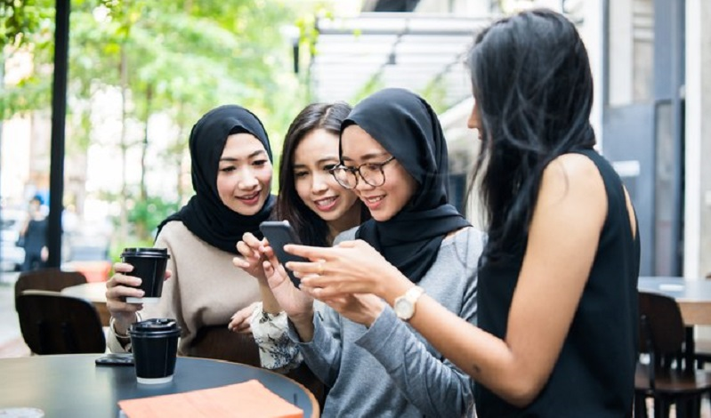 New women-only social media app to use AI to determine gender 2