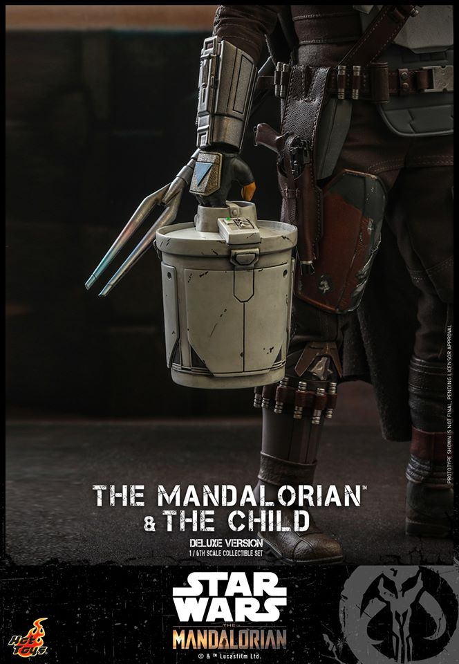 Hot Toys The Mandalorian has shiny armour, more firepower and Baby Yoda 39