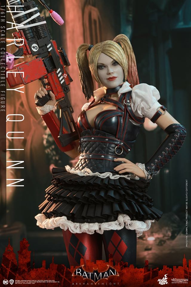 Hot Toys Harley Quinn is ready to paint the town red 21