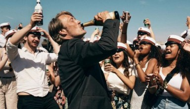 Mads Mikkelsen enjoy a bit too much of the bubbly in the drama Another Round 15