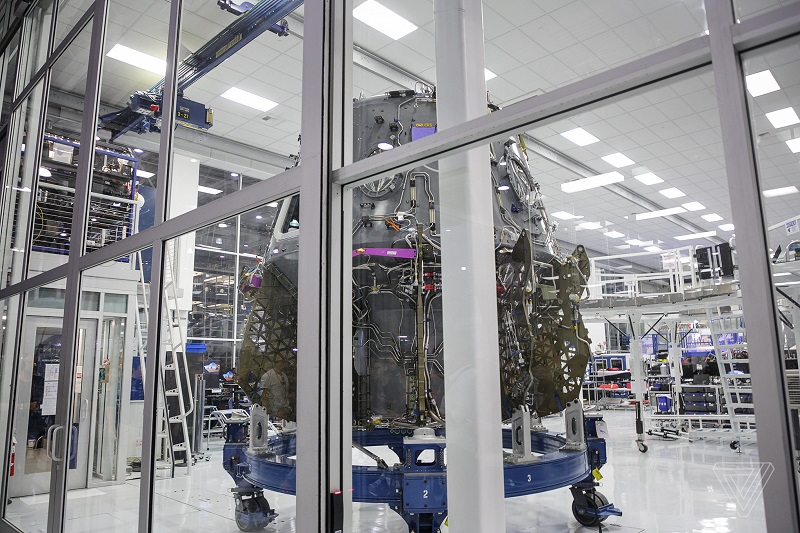 A closer look at the groundbreaking technology that helped SpaceX make history 11