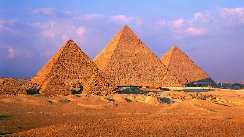 Picture unrelated to dota game. Look, Pyramids.......