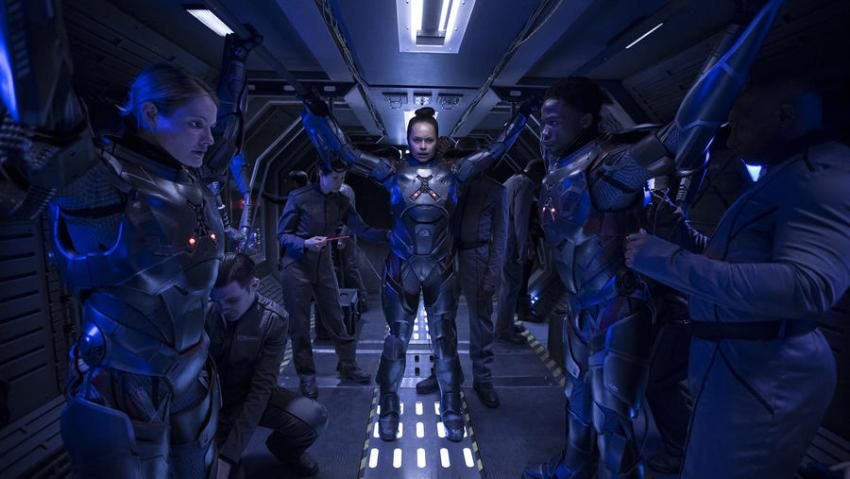 The Expanse showrunner talks about the rescued sci-fi show's move to Amazon 8