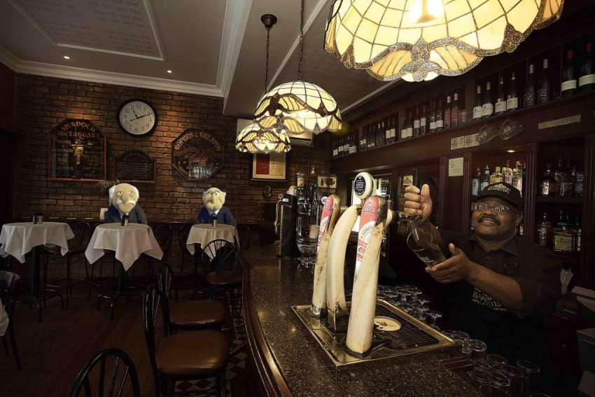 Barristers Grill - Old-world charm in Newlands 14