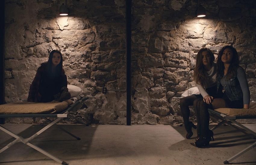 Split review - Plot twist! M. Night Shyamalan is back to making great movies again! 7