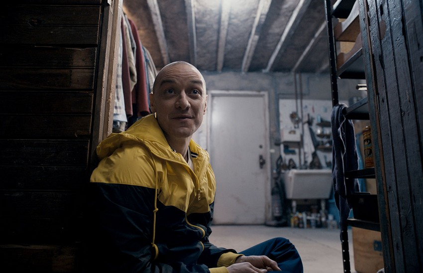 Split review - Plot twist! M. Night Shyamalan is back to making great movies again! 10
