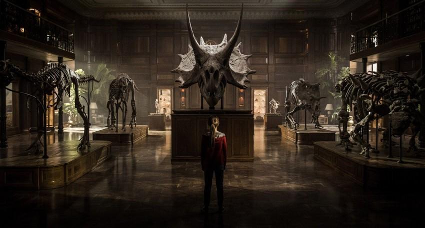 Hey, where's our Jurassic World: Fallen Kingdom trailer?! 2