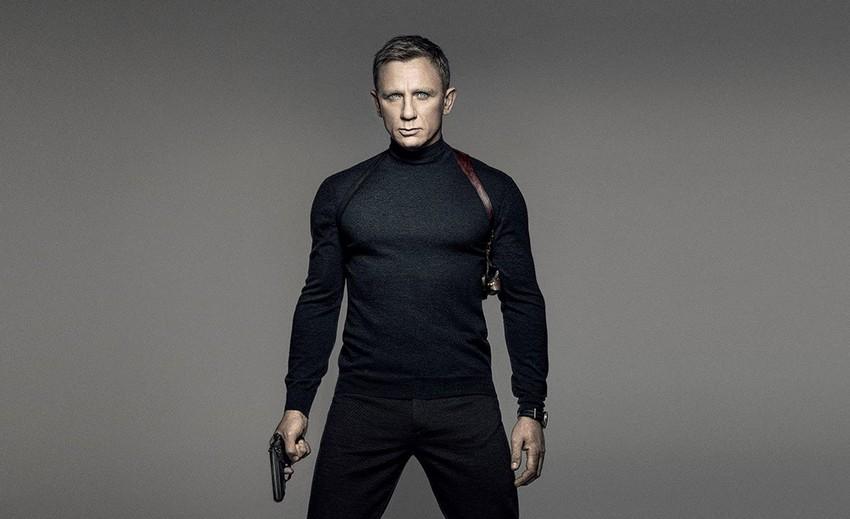 Finally! Daniel Craig has officially confirmed he will return as James Bond! 3