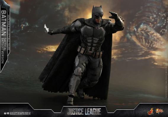 JL Tatctical Batman (17)